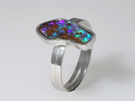 Anello opale boulder
